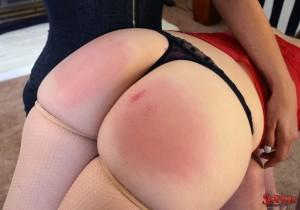 07-beautiful-bare-bottom